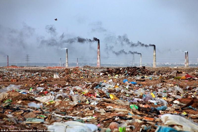 Завод испепеления и его окрестности, Бангладеш.