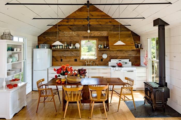 Летняя кухня в доме