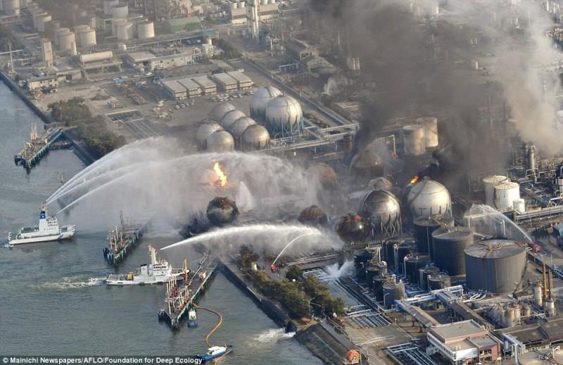 Пока весь мир наблюдал за событиями Фукусимы 2011, в нескольких милях от нее горела ТЭЦ.