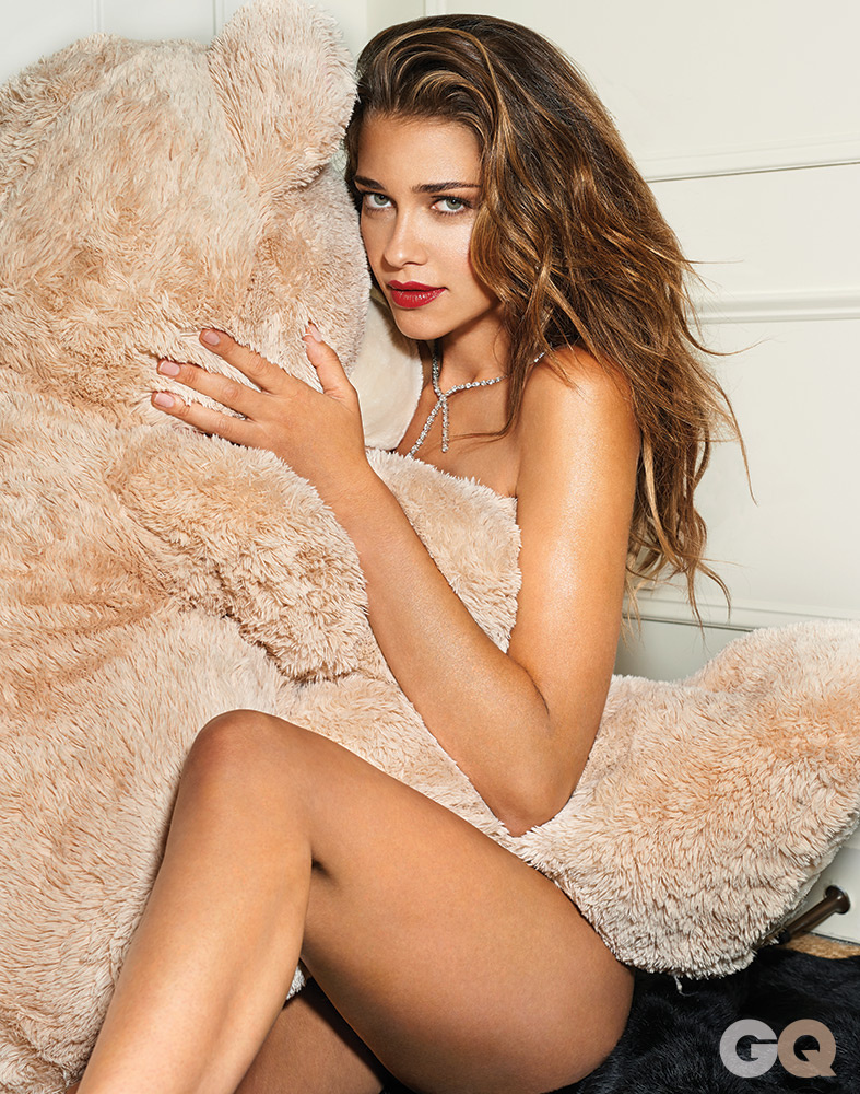 24. Ana Beatriz Barros