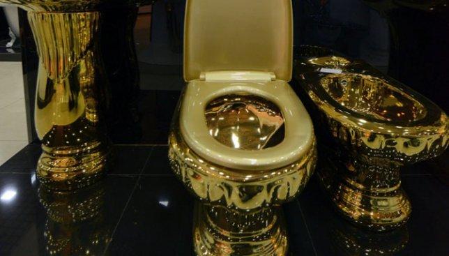 Картинки по запросу золотой унитаз