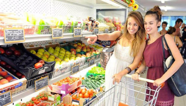 Вся правда о супермаркетах: хитрости, которые заставляют вас покупать больше и больше (Фото)
