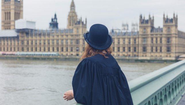 Самые странные законы Великобритании и способы их обхода: рассказывают местные жители (Фото)