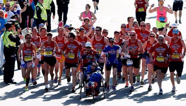 Невозможное возможно: как парень с ДЦП смог закончить университет и покорить не один марафон (Видео)