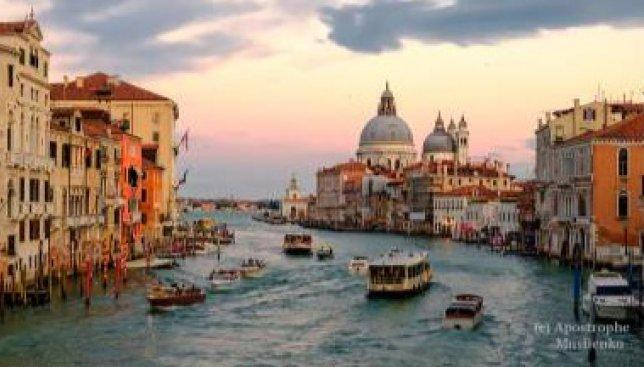19 фотографий зимней Венеции, которая готовится к ежегодному карнавалу
