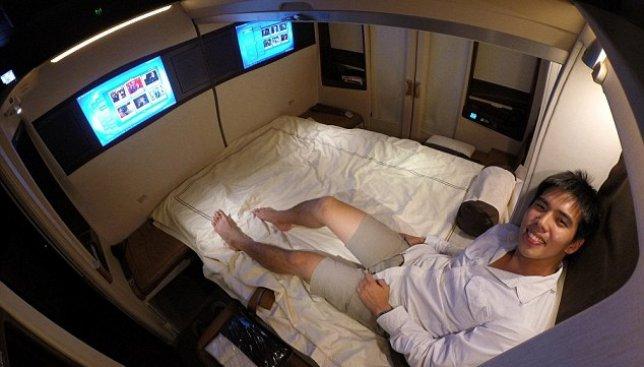 Кругосветное путешествие в самолете-отеле: 24 дня полета по всему земному шару