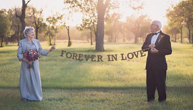 И такое бывает: первая свадебная фотосессия для пары, которая вместе уже 70 лет (Фото)