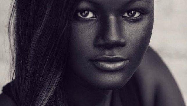 Модель с самой темной кожей взорвала сеть своими необычными фотографиями