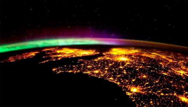 Невероятные фото ночных городов из космоса