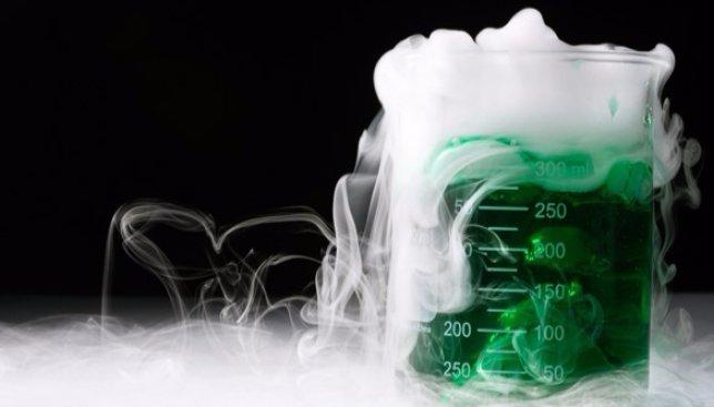 15 самых удивительных химических реакций всех времен и народов (Фото)