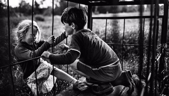 Детство без интернета: мама фотографировала своих детей, которые играли без всяких девайсов (Фото)