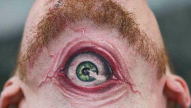 38 самых странных татуировок всех времен и народов