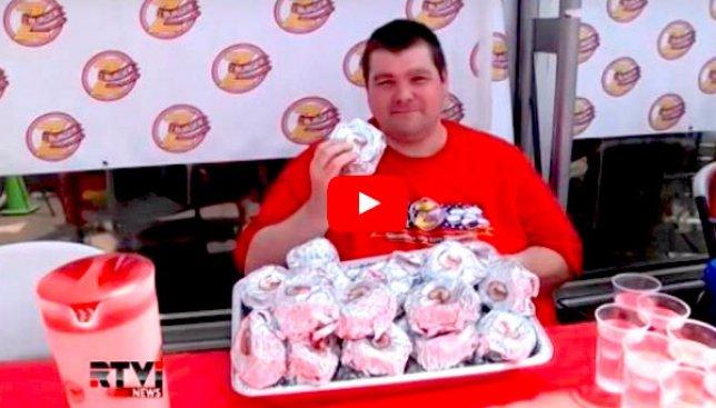 Сегодня в США день гамбургера: американцы соревнуются в скорости их поедания
