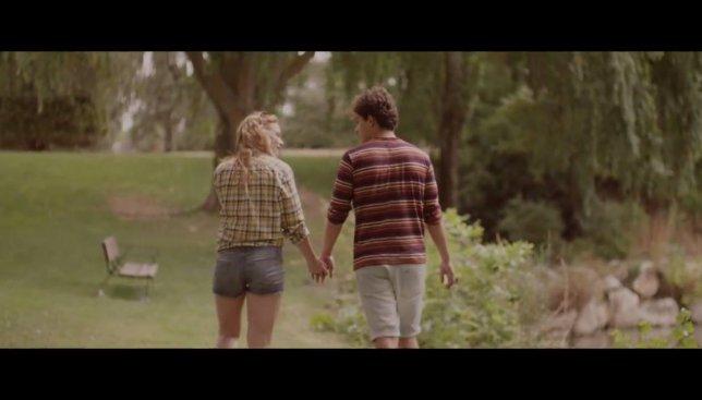 Трогательное видео: история одной подростковой любви в двух минутах