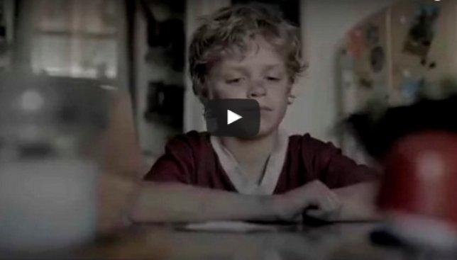 Когда у родителей всегда мало времени: как это влияет на детей (Видео)