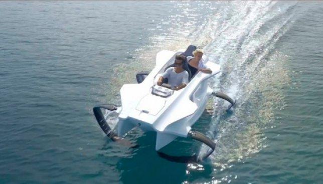 Невероятные возможности техники: лодка, которая парит над водой