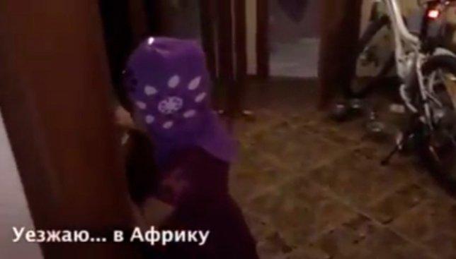 Видео с маленькой девочкой, которая собралась уехать от родителей в Африку, взорвало сеть