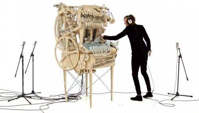 Швед создал невероятный музыкальный инструмент полностью своими руками