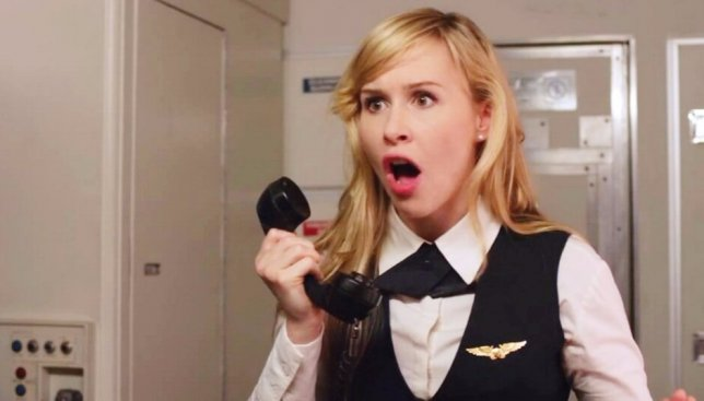 Раскрыта правда: почему на самом деле надо выключать телефоны в самолете (Видео)