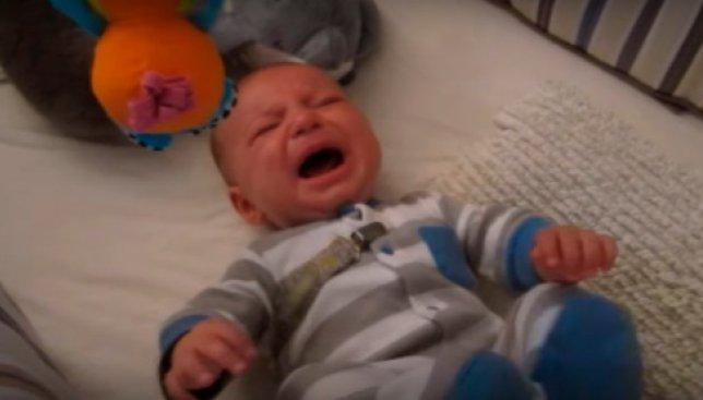 Как успокоить плачущего ребенка с помощью Звездных Войн: обучающее видео