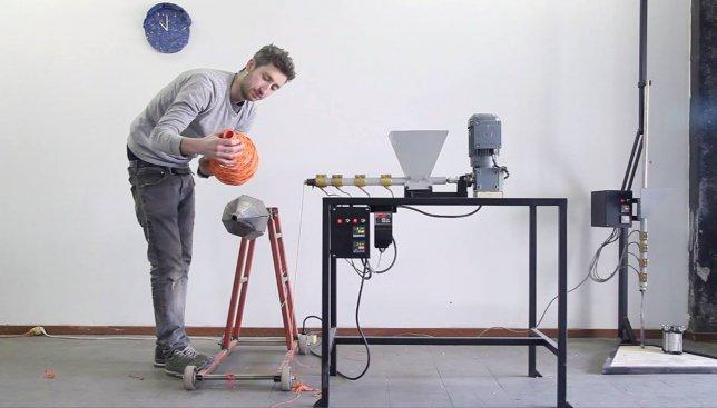 Чудеса техники: во что можно превратить ненужные вам вещи (Видео)