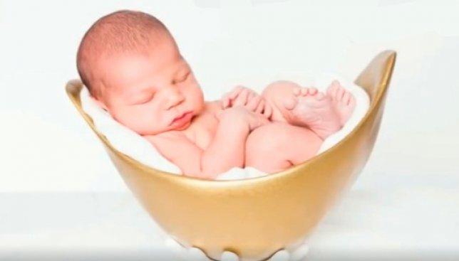 Мечта всех беременных: изобрели кроватку для малыша по форме вашего животика