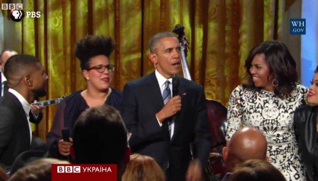 В Белом доме теперь поют песни: Обама показал все свои таланты