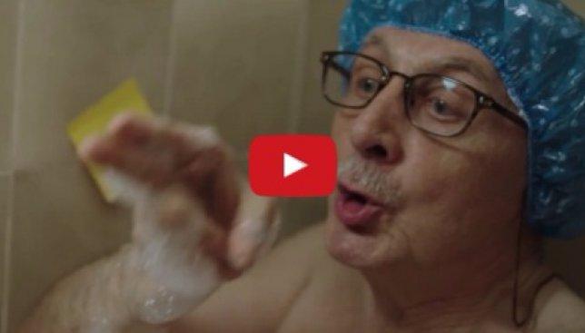 Рождественский ролик: как пенсионер решил выучить английский язык (Видео)