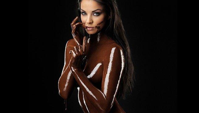 Как удивить любимую на 8 Марта с помощью только шоколада!