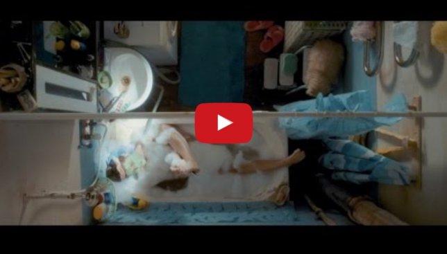 """Новый клип группы """"Ленинград"""" высмеял современных девушек и этим покорил сеть"""