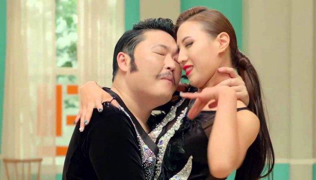 """Новый клип от PSY - """"Daddy"""" за сутки посмотрели 4 млн раз"""