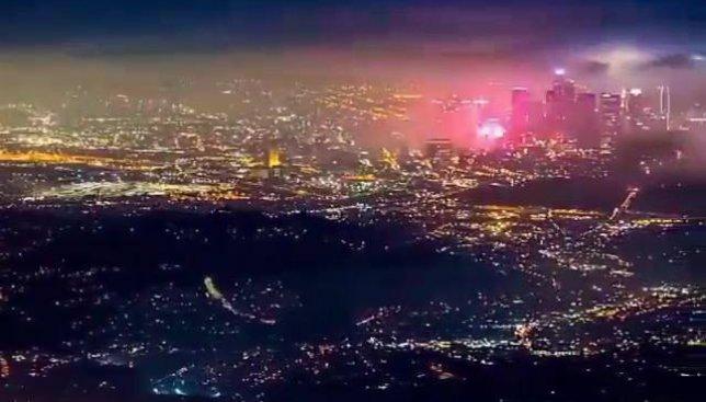 Ускоренная съемка: ночные огни Лос-Анджелеса поражают своей красотой