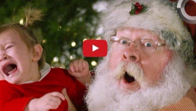 Замедленная съемка неожиданной реакции детей на Санта Клауса