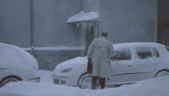 Курьезный случай зимой: как найти свой автомобиль, если все в снегу