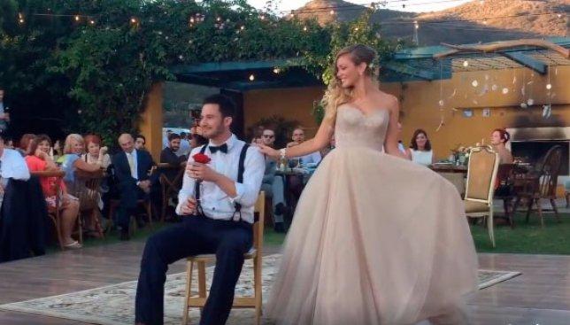 Сегодня день танца: свадебный вальс, от которого все гости были в восторге (Видео)