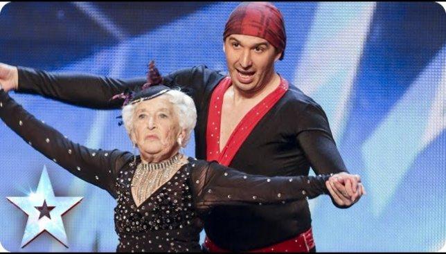 Ко дню бабушки: как 80-летняя женщина покорила всех на Британском шоу талантов